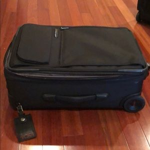 "Tumi 22"" carry on"